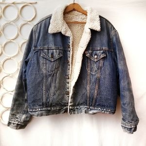 Vintage Levi's Sherpa Lining Denim Jacket